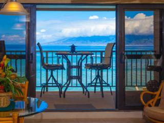 Kaleialoha 211 Stunning Blue Oceanfront Views!!!, Honokowai
