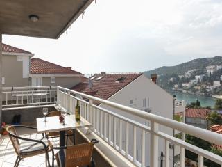K-apartments - One Bedroom Apartment with Balcony and Sea View - A1