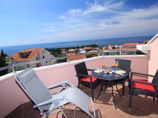 Apartment Marin - Two Bedroom Apartment with Balcony and Sea View, Dubrovnik