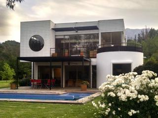 Beatiful family house in Laguna de Aculeo, Paine