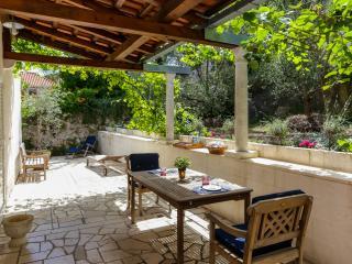 Apartment La Casa Mimi - Studio Apartment with Terrace and Garden, Dubrovnik