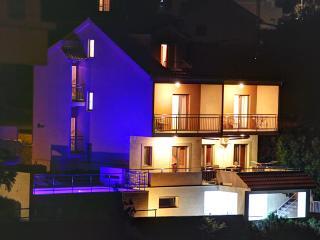 TH01608 Villa Silvana, Rogoznica