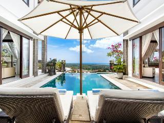 Villa Amanie - Stunning Hilltop Villa Balangan