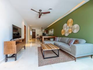 TERRAZAS 306, EXQUISITE DESIGN 2 BR CLOSE TO BEACH, Playa del Carmen