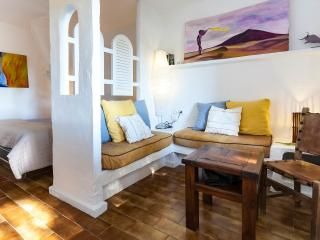 Rustic & Elegant Studio free wifi, Cala Vadella