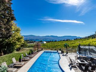 Casa Kelowna: POOL, HOT TUB, LAKE VIEW, Vineyards