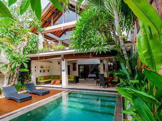 Villa Harmony. Batu Belig. Luxury. Ocean side., Seminyak