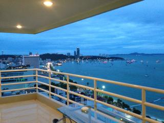1BR corner apartment with sea view (872), Pattaya