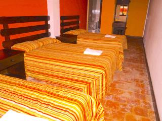 Cozy Triple Room Downtown, San Cristobal de las Casas