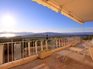 Beautiful sea view apartment !, Cannes
