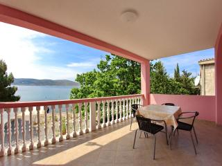 Unique Family Apartment with seaview, Starigrad-Paklenica