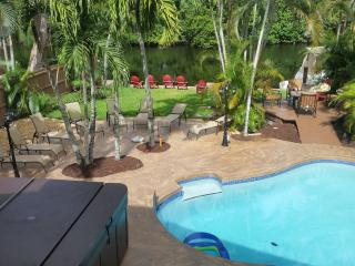VILLA LION  3...  4/3 WATER FRONT, Fort Lauderdale