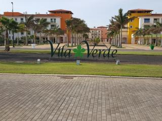 EXT LARGE GROUND FLOOR 2 BED, 3 BALCONY LUXURY MODERN  APARTMENT IN VILA VERDE