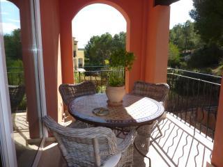 Atico en complejo de lujo con jardines y piscinas, Santa Ponsa