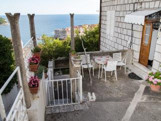 Ploce Apartments - Three-Bedroom Apartment with Sea View, Dubrovnik
