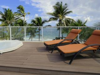 Luxe penthouse - Directly on Kite Beach - 10ppl, Cabarete