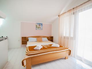 Accommodation Petrovic- Double Studio with Balcony 4, Becici