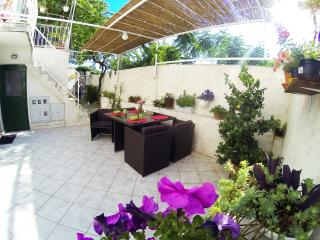 Apartment Lara - One Bedroom Apartment with Terrace