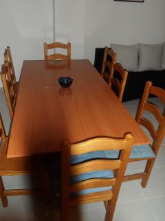 Mesa, se puede hacer hasta para 8 personas