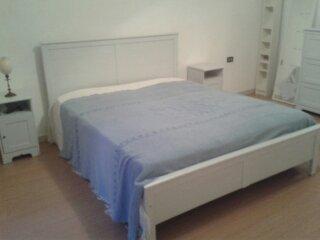 spacious and confortable apartment, Bari