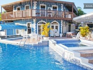 Ocean Reef Yacht Club and Resort: Sleeps 4, Freeport