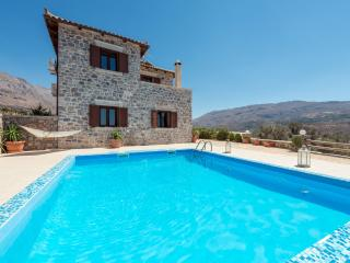 A beautiful 3 bedroom stonebuilt villa!, Spili