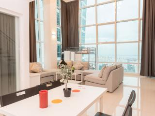 Modern High Rise Duplex Georgetown