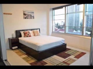 Q1. 2 bedrooms, Ocean view, Free WIFI, LOW PRICE., Surfers Paradise