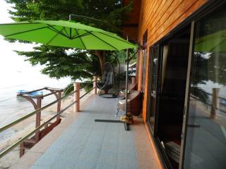 Jolie Villa les pieds dans l'eau à Koh Samui, Ang Thong