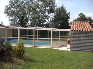 piscine couverte et chauffée en saison