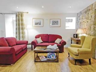 Pig Run Barn 4 Star Gold near Beamish, Newcastle & Durham lounge, with comfy sofas & chairs
