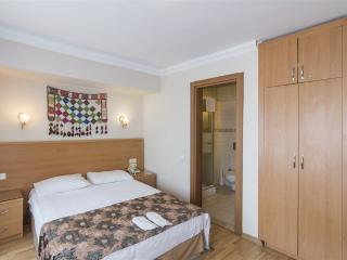 Pleasant & Cheerful Dbl Room, Istanbul
