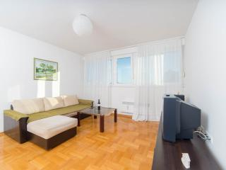 SUNNY, FAMILY-FRIENDLY APARTMENT 'SUN' IN THE CENTER OF SPLIT
