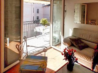Cute flat 300 m from the beach, Cannes