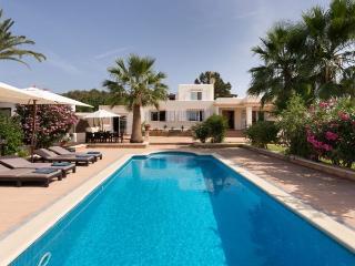 Apt. with garden,pool Sant Jos, San Agusti des Vedra