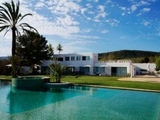 Apt. with views,mountain Sant, Ibiza