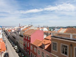 1bedroom sunny apt in historic centre of Belém