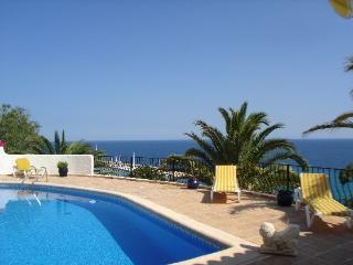 Villa with tennis,beach Altea