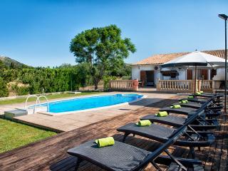 Finca en Alcúdia para 8 con piscina, wifi y bbq!