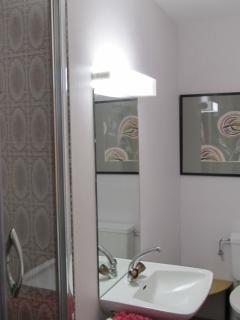 ensuite shower room bedroom 2