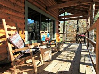 Townsend Cabin #5 ~ Enjoy the hot tub on the deck, evenings by the fireplace, pe