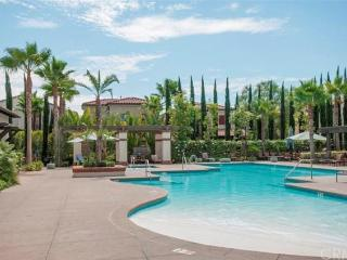 Beautiful Townhome near Disney - Pool, SPA, Anaheim