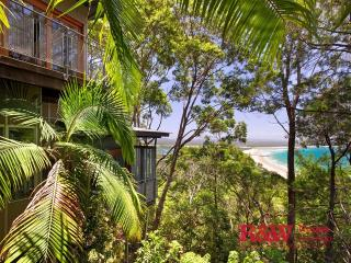 12 Bayview Road - Little Cove, Noosa