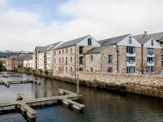 Quayside - an ultra-modern penthouse apartment, Penryn