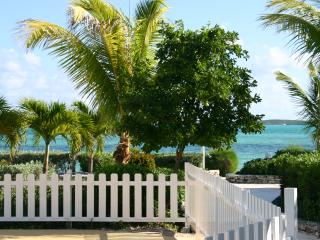 1 Bedroom Villa Rental - Full Resort Privileges!!, Great Exuma