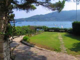Top Water Front Villa 10 mt from the shore, Porto Venere