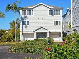 Lovely Tropical Longboat Town house, Longboat Key