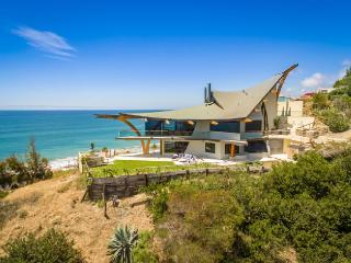 Eagle's Watch Malibu- Architectural w/ Ocean views