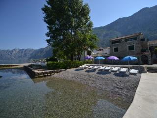 Apartments Savic - Studio with Sea View (4 Adults), Kotor