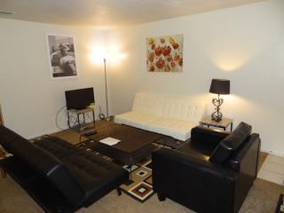 Best Deal N Town #1 of #5-2 bedroom Fits up to 10!, Gainesville